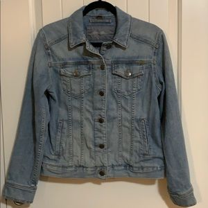 Women's. Denim jacket. Eddie Bauer. Medium